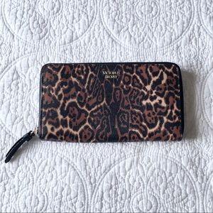 ✨NEW! Victoria's Secret Leopard Wallet